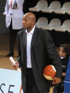 shaone coaching with ball